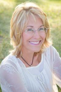 Cindy shares her heart and home every week at http://doaheadwoman.com